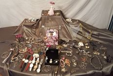 Large lot 130  pieces of jewelry and watches