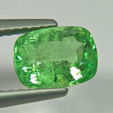 Green Tsavorite Garnet - 1.56 ct