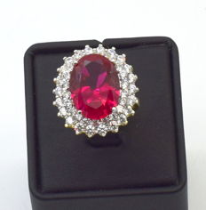 14 carat ( 585)  yellow gold ring with ruby,  7.6 carat approx, size 17 mm