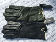 Laimböck, 2 pairs of women's gloves