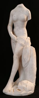 Female nude sculpture in statuary Carrara marble, Neoclassical style, hand-carved - Florence, Italy, 19th century