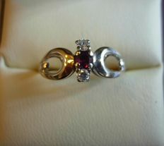 14 kt white gold ring – 1 ruby and 2 diamonds – size 61