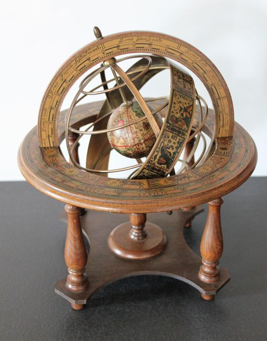 Italian globe showing the signs of the Zodiac and degrees of horizon in wood - refined drawings