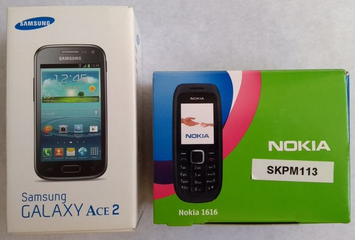 88b00f3629a Lot of 2 mobile phones: Samsung Galaxy Ace 2 model GT-i8160 boxed and