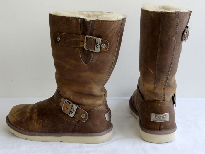8f8d0350c24 UGG Australia - boots with buckle - leather - Kensington Toast Model ...
