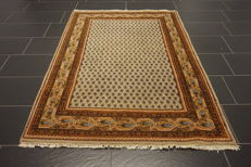 Magnificent handwoven Oriental palace carpet, Sarough Mir, 125 x 210 cm, made in India, excellent highland wool