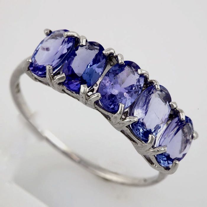 14K. Gold Ring With 0,03 ct of diamonds and tanzanites;  size France 54