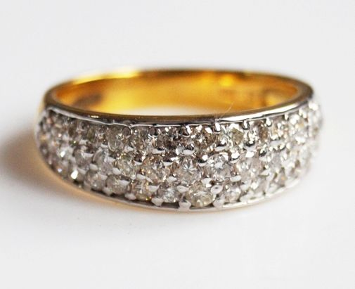 1.12 cts 49 pcs Diamond Ring in 18 kt gold, size 6,5