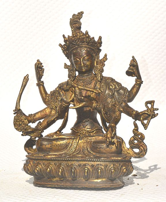 Gilded bronze (22 cm) statue with eight arms - China - second half of the twentieth century
