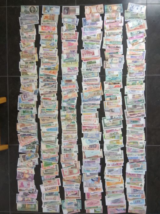 World - 600 different banknotes Various dates