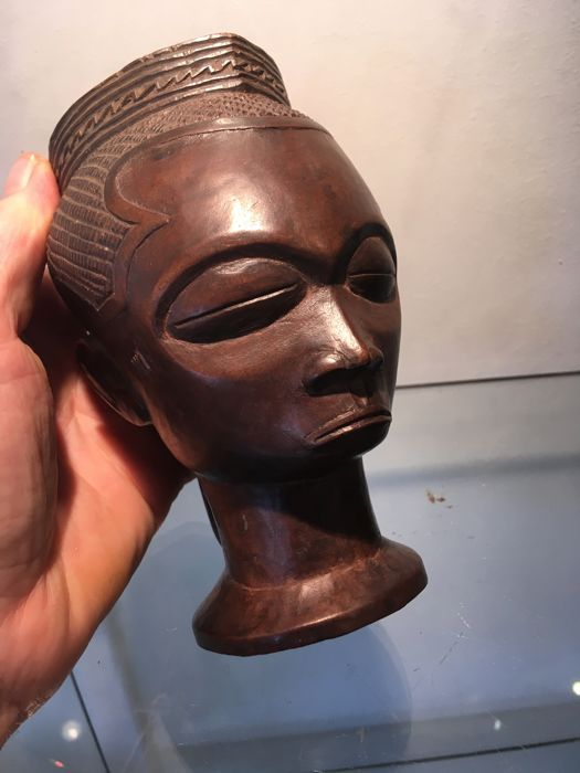 Magnificent ancient wooden ritual cup - KUBA / NDENGESE - Former Belgian Congo