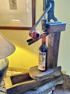 Antique bottle corker for winery - Italy - 1920s