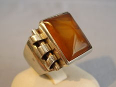 Vintage ring with natural amber in pyramid form, circa 1930-40