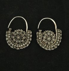 Antique Uyghur silver earrings - China, Xinjiang - Early 20th century