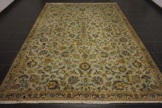 Fine hand-knotted Persian palace carpet Kashan cork 240X320 cm made in Iran