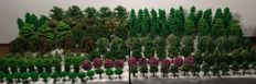 Scenery N - Package with 175 model kit trees and trees