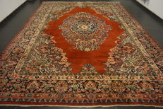 Semi-antique - hand-knotted Persian carpet- -Sarouk- -made in Iran- -natural dyes- -320X430 cm-