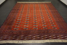 Magnificent handwoven Oriental carpet Buchara Jomut. 310 x 270 cm. Made in Pakistan, mid 20th century.