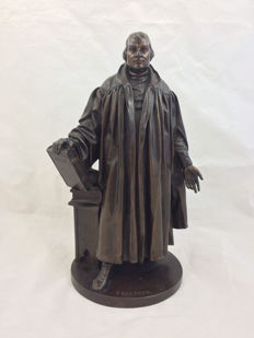 Attributed to Jean-François-Théodore Gechter - heavy bronze sculpture of Martin Luther - France - 19th century.