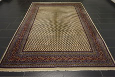 Beautiful handwoven Oriental carpet, Sarough Mir, 205 x 298 cm, made in India at the end of the 20th century