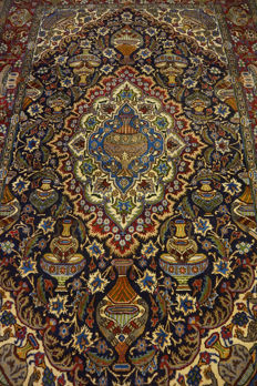 "A magnificent Persian palace carpet, vase illustrations, Kashmar, 200 x 300 cm, made in Iran at the end of the 20th century, ""signed"""
