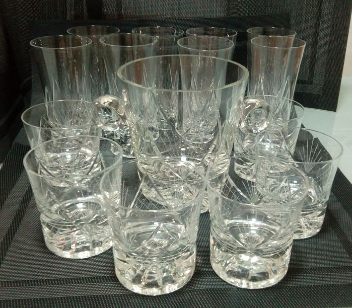 Unknown / Hand cut glass set:1 ice bucket, 6 whisky glasses and 8 tall glasses