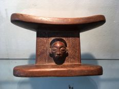 Very nice little headrest carved in wood - CHOKWE - Former Belgian Congo