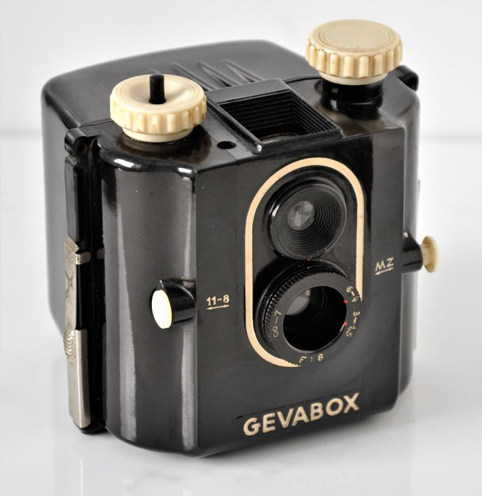 1950  Gevaert  'Gevabox'  Bakelite 6x6 Box Camera.