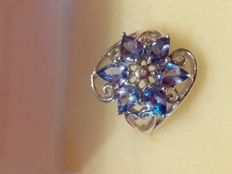 Beautiful 925 silver ring with tear-shaped cut tanzanites – NO reserve price