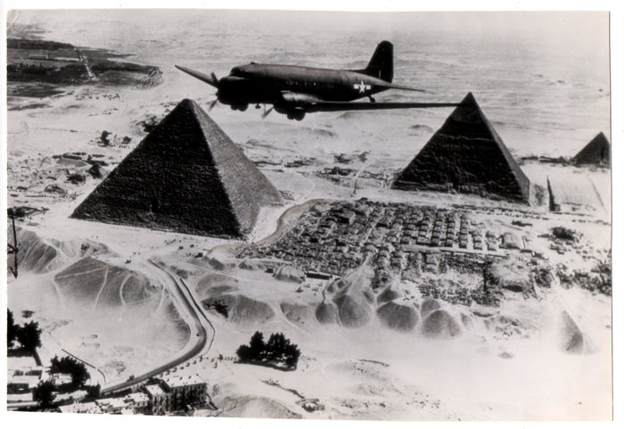 Unknown Us Air Force Dakota Plane Flying Over Pyramids Of Keops