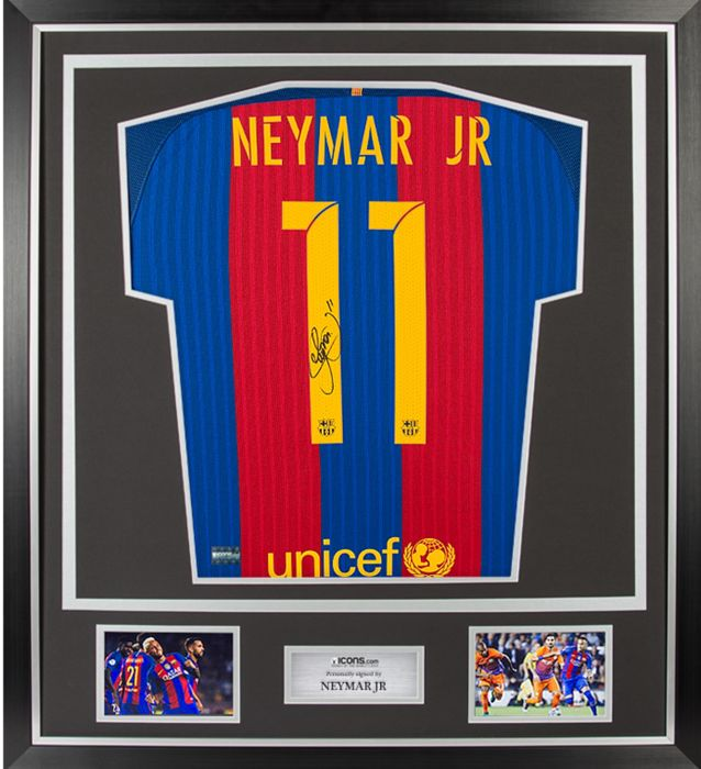 Neymar jr-original Jersey 20016/2017 # 11 signed by Neymar - certificate of authenticity