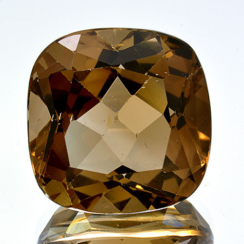 Champagne Topaz – 6.75 ct – No Reserve Price.