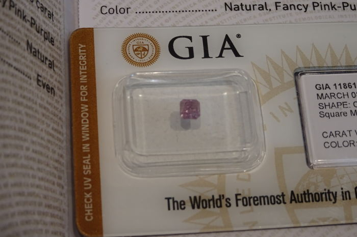 Pink-purple diamond of 0.35 ct