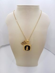 18ct Yellow Gold Egyptian Onyx Charm