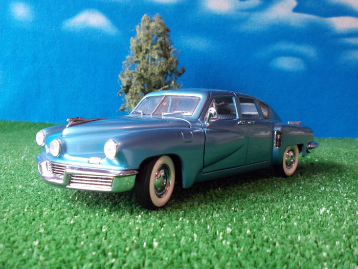 Franklin Mint - Scale 1/24 - 1948 Tucker Torpedo in Waltz Blue