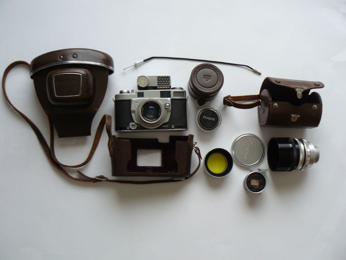 Minolta Super A - MX Seikosha - 1957- including accessories.