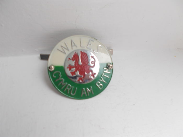 vintage  WALES  CYMRU AM BYTH chrome car grille  badge with fixings original un-used