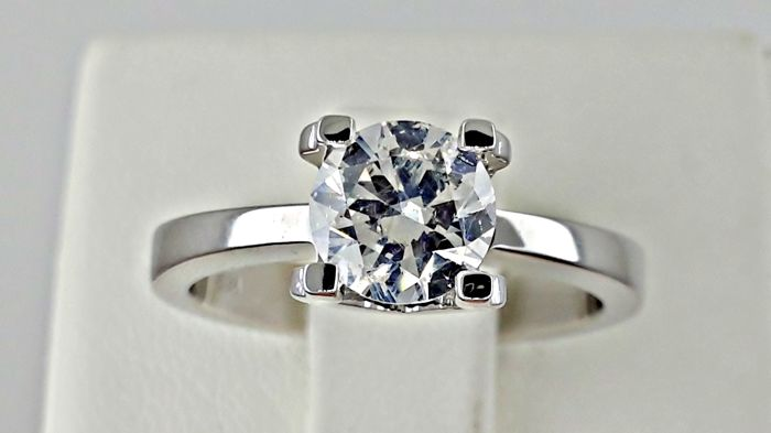 1.03 ct VS2 round diamond ring made of 18 kt white gold - size 6,5
