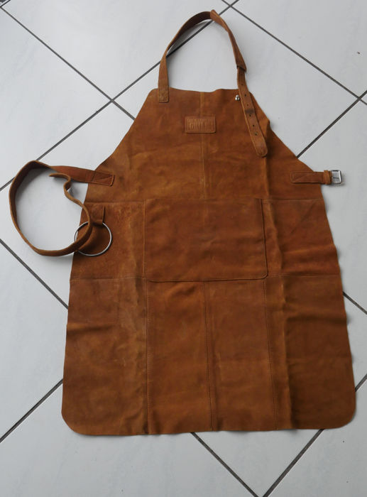 Set of 2 pieces of Learn chef kitchen BBQ Grill aprons.