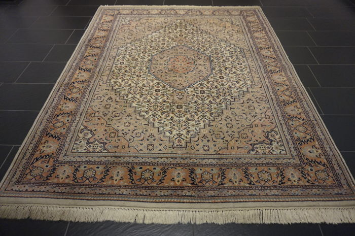 Fine hand-knotted oriental carpet, Indo Bidjar Herati without medallion, 250 x 200 cm, made in India