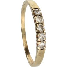 14 kt - Yellow gold ring set with 5 diamonds of in total approx. 0.2 ct  – Ring size: