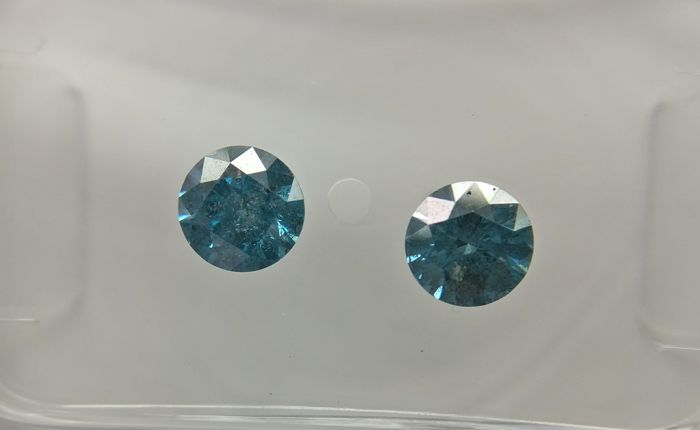 Lot of 2 Round cut diamonds total 0.60 ct Fancy Deep Greenish Blue I1