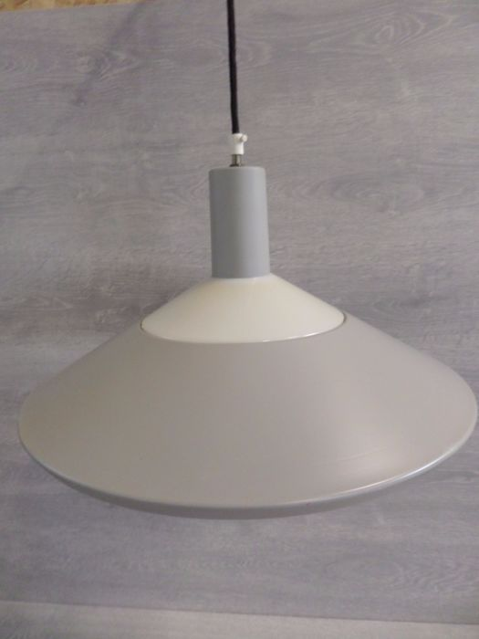 Louis Poulsen & Co a.s – pendant lamp  – type: 18564.