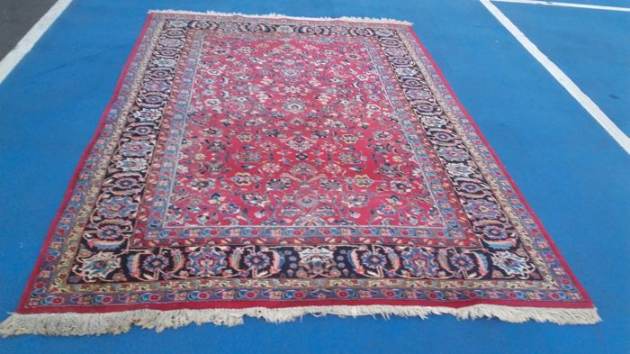 Beautiful, hand-knotted Persian Mashad rug, 301 x 202 cm