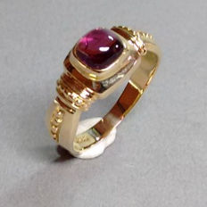 Ring made of 14 kt yellow gold with tourmaline, 4.8 g – size approx. 56