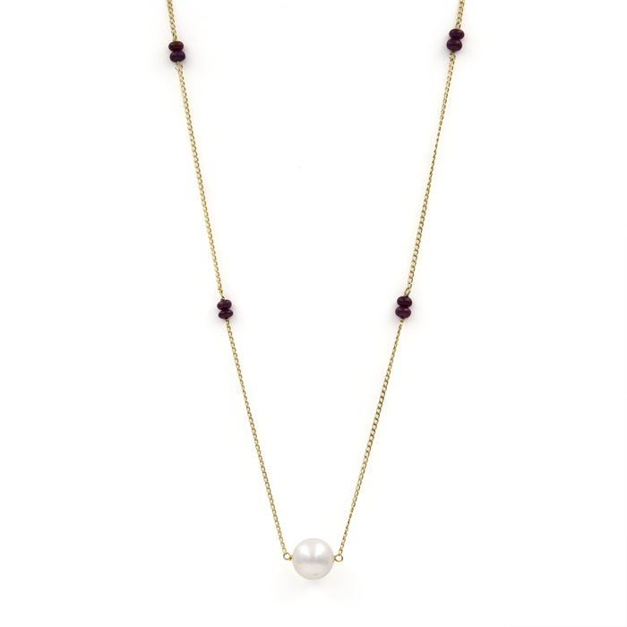 18 kt yellow gold — Choker — 0.60 ct cabochon cut rubies — Pearl — Length: 45 cm (approx.)