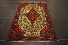 Authentic beautiful hand-knotted Persian BAKHTIAR carpet, Bakhtiari, plant colours, made in Iran, 103 x 150 cm