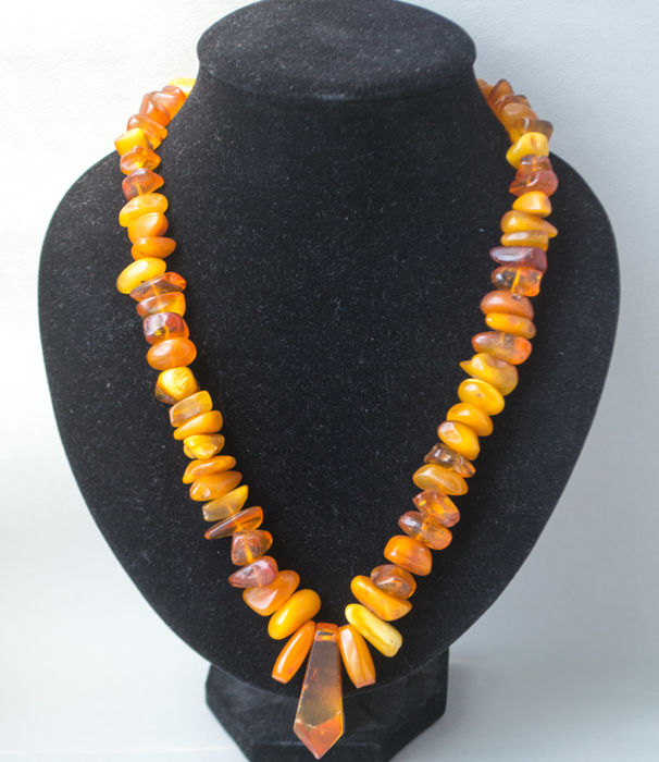 Old natural Baltic Amber necklace with pendant in butterscotch / honey colour, 88 gram