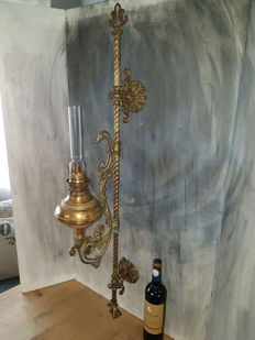 Rare antique brass oil lamp - 103 cm and height adjustable - France - around 1900