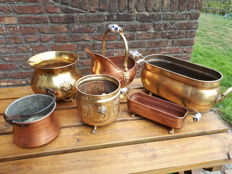 Set of 6 antique flower pots in yellow and red copper twentieth century France 5,750 kg